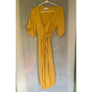 Urban Outfitters  midi wrap dress